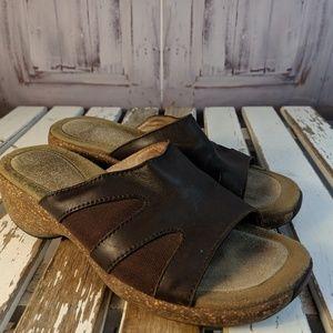 Merrell womens shoes flats comfort leather sandals